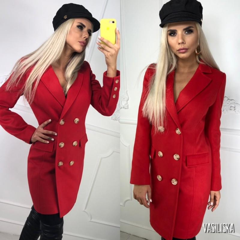 Пальто двубортное с карманами-клапанами, 6 пуговиц красный