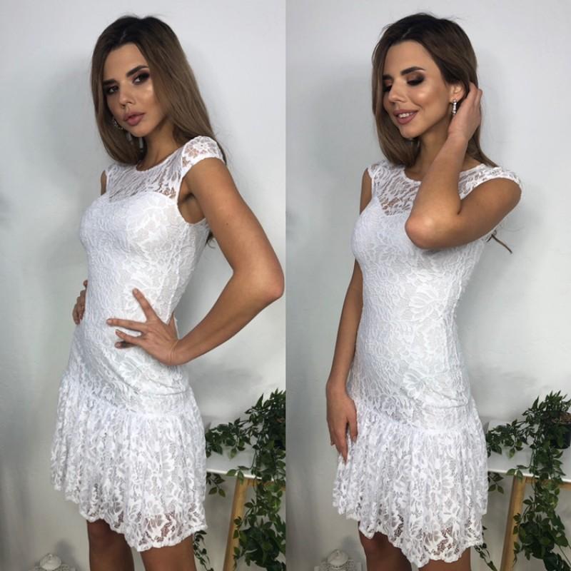 Платье из гипюра короткое с воланом по низу белое