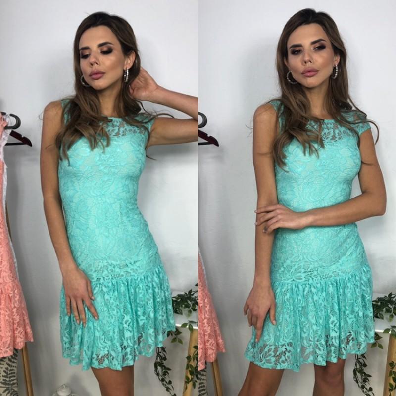 Платье из гипюра короткое с воланом по низу мятное