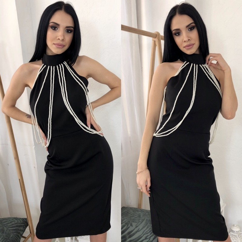 Платье миди отрезное по талии декорировано бусами черное