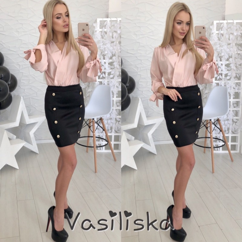 Платье отрезное по талии блуза на запах пудра + юбка декор пуговицы черная