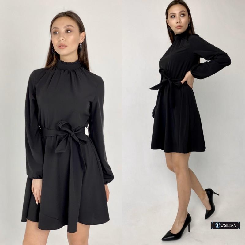 Платье под горло с отрезной талией юбка до колен черное