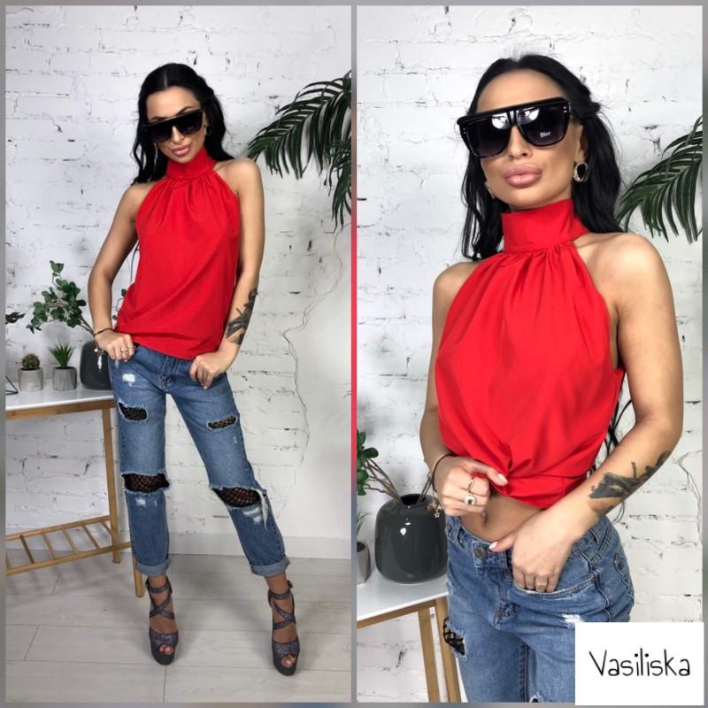 Блуза с воротником под горло без рукавов красный
