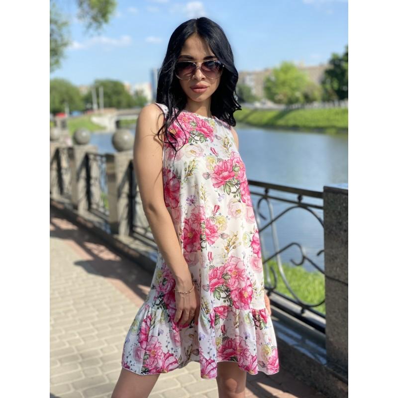 Платье без рукавов с воланом по низу молочного цвета принт большие розовые розы