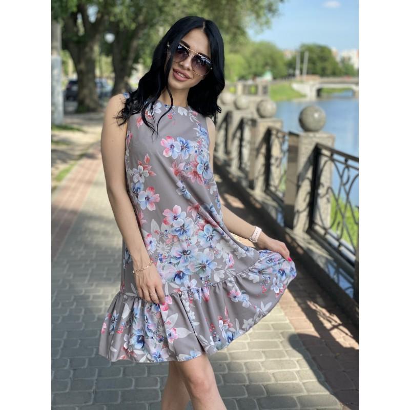 Платье без рукавов с воланом по низу капучино принт бело/сине/розовые цветы