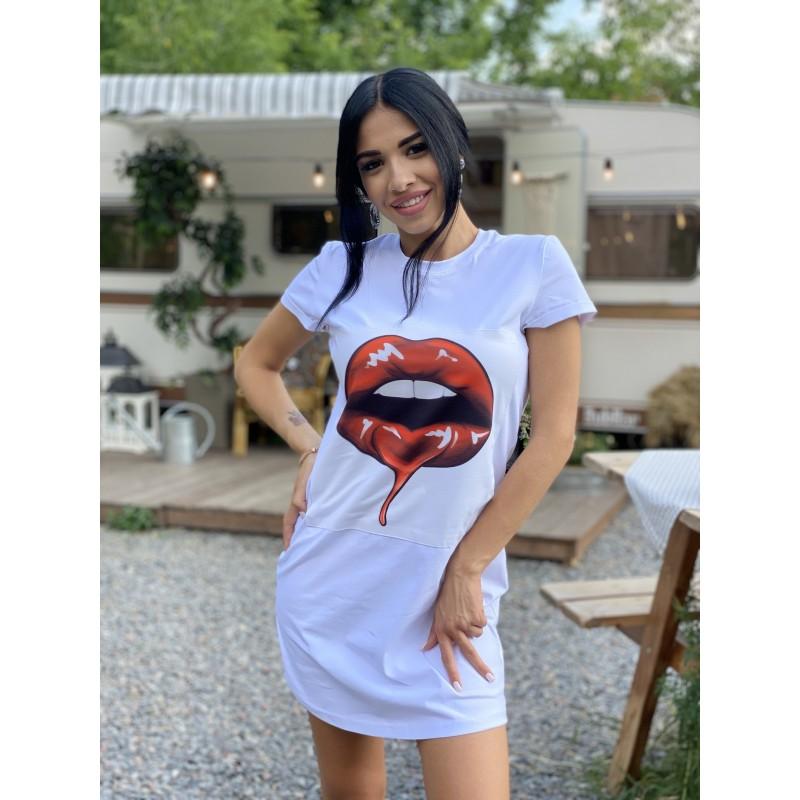 Платье-футболка Губы рисунок нашивка белая