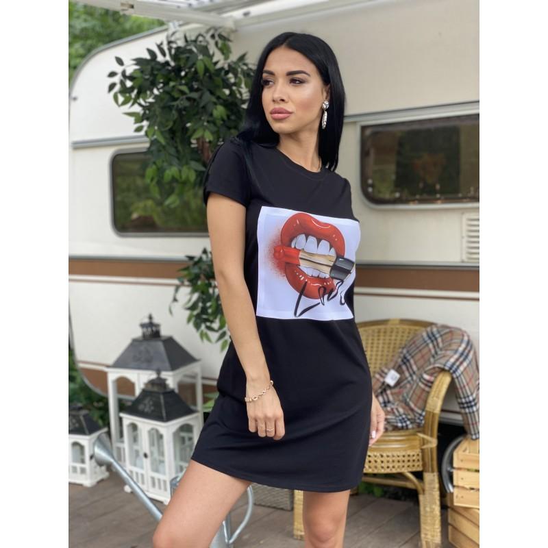 Платье-футболка с нашивкой Губы помада и надпись Love черная