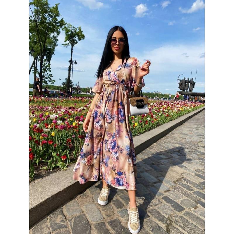 Платье миди свободного кроя по талии резинка бежевое принт сине-розовые цветы