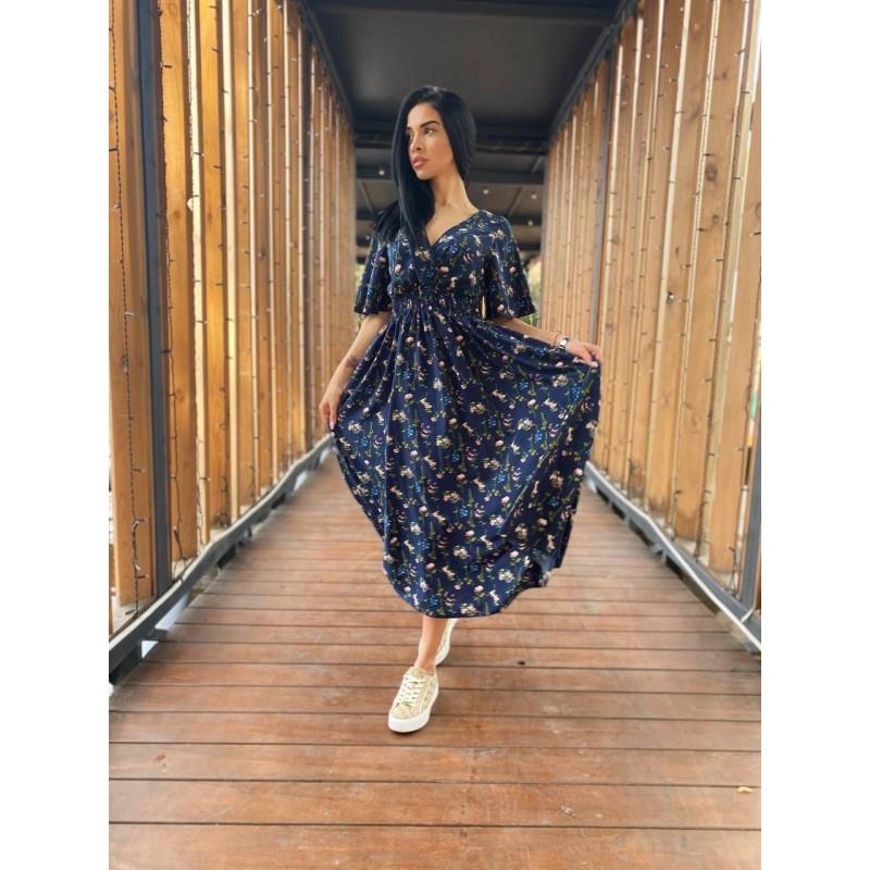 Платье миди свободного кроя по талии резинка темно-синее принт мелкие цветы со стеблем
