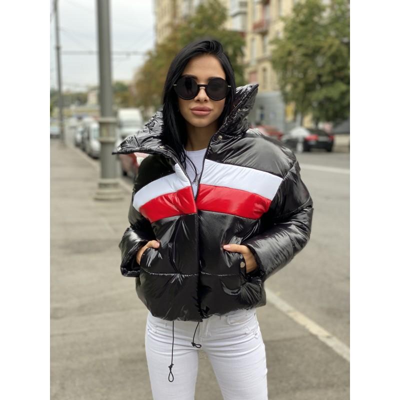 Куртка короткая на молнии с высоким воротом черная лак